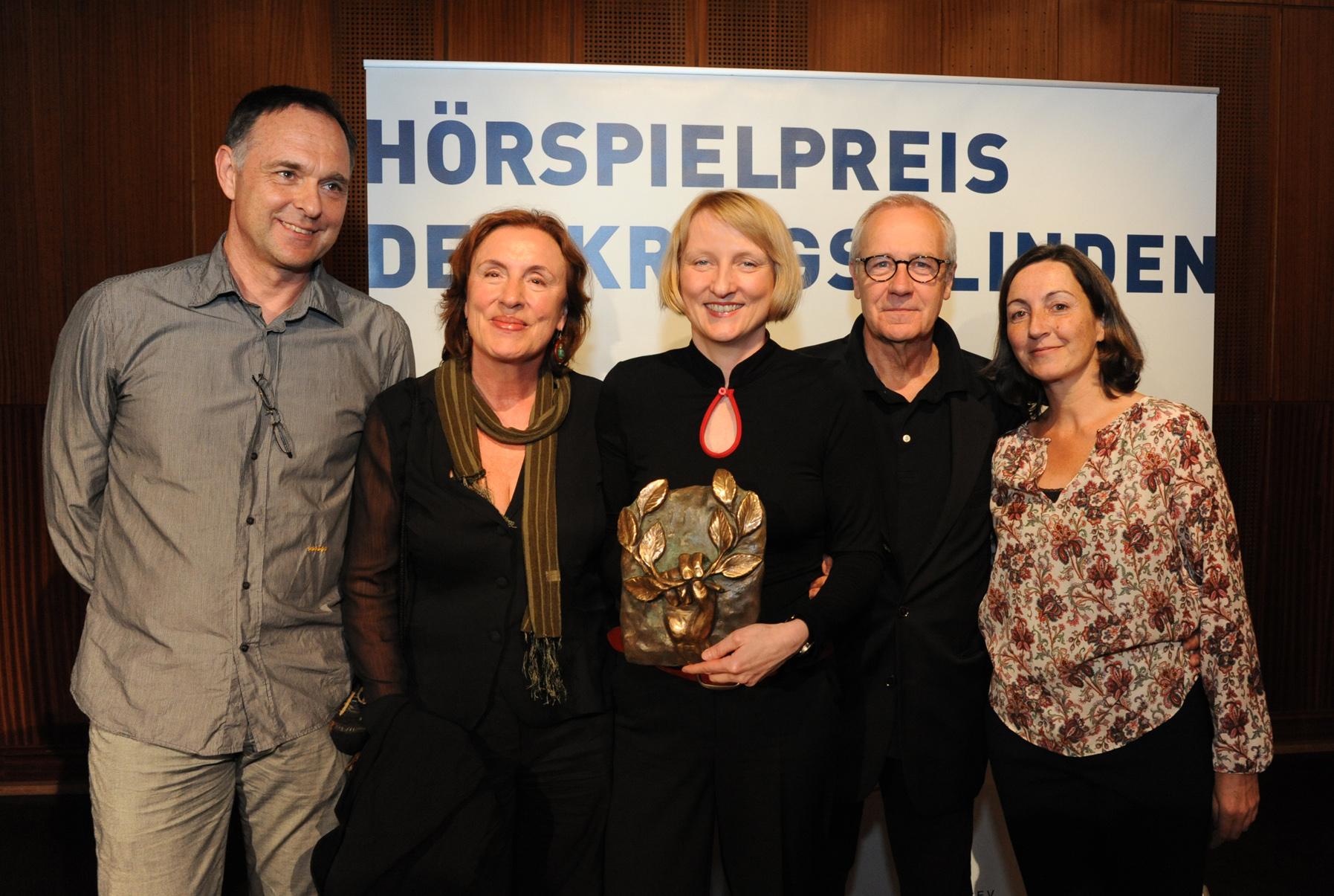 Pierre Oser, Elisabeth Panknin, Gesine Schmidt, Walter, Adler, Martina Müller-Wallraf. Foto: Dieter Anschlag