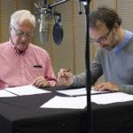 Ulrich Gerhardt (Sprecher und Regie, li.) und Rafael Jové (Zitate). Bild: HR/Ben Knabe.