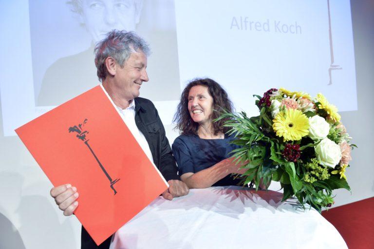Alfred Koch und Anna Koch-Handschuh beim Axel-Eggebrecht-Preis_2018. Bild: Volkmar Heinz / Medienstiftung der Sparkasse Leipzig.