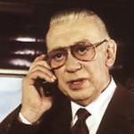 Horst Tappert als Stephan Derrick.