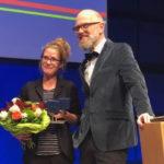 Die Preisträgerin Madga Woitzuck und der Juryvorsitzende Thomas Böhm.