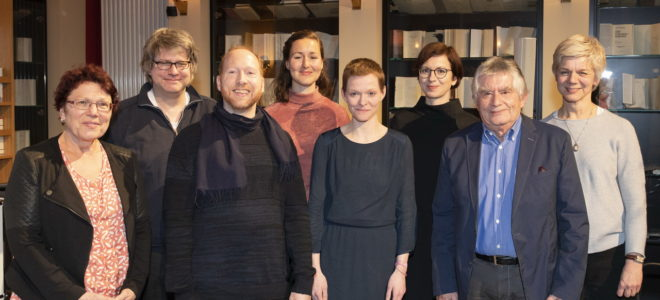 v.l.n.r. Regine Beyer (Jury), Benno Schirrmeister (Jury), Nikolaus Löwe (Toning.)Viktorie Knotková (Jury), Susann Maria Hempel (Autorin), Mareike Maage (Redakteruin RBB), Christoph Buggert (DADK), Daniela Ginten (DADK). Bild: Alexandra Lechner.