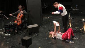 """Mishka Lavigne: """"Hafen"""" Probenfoto der Livefassung mit Tanja Schleiff, Nico Holonics, Bo Wiget. Bild: SST/SR."""