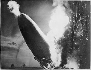 Explosion des LZ 137 Hindenburg am 6. Mai 1937.